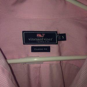Vineyard Vines Shirts - Vineyard Vines Small Pink Button Up